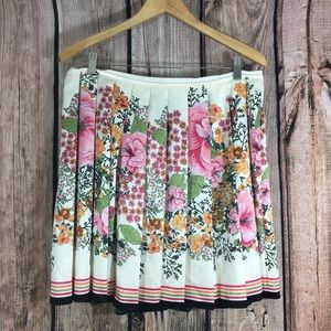 Old Navy Floral Pleated Skirt Size 14 Petite